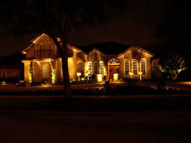 Outdoor Landscape Lighting Placement : Central florida outdoor lighting installation the