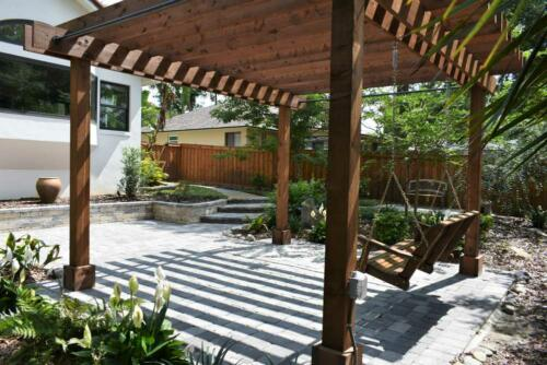 Outdoor sitting area w pergola